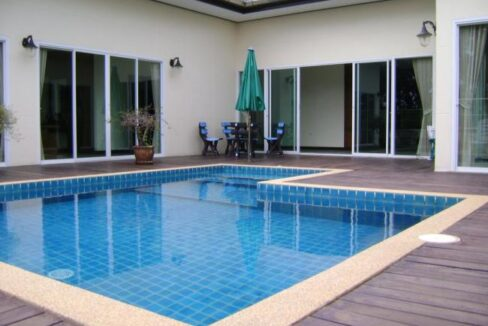 Large pool villa in kathu