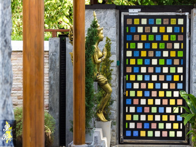 Large delightful thai style boutique villa