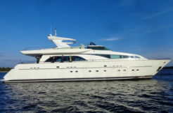 100 feet Yacht perfect for charter