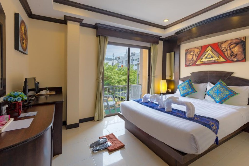 27 room hotel for lease patong phuket