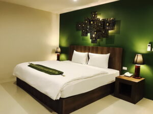 Luxury hotel for lease in great location patong
