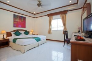 Profitable guest house for lease with apartment patong
