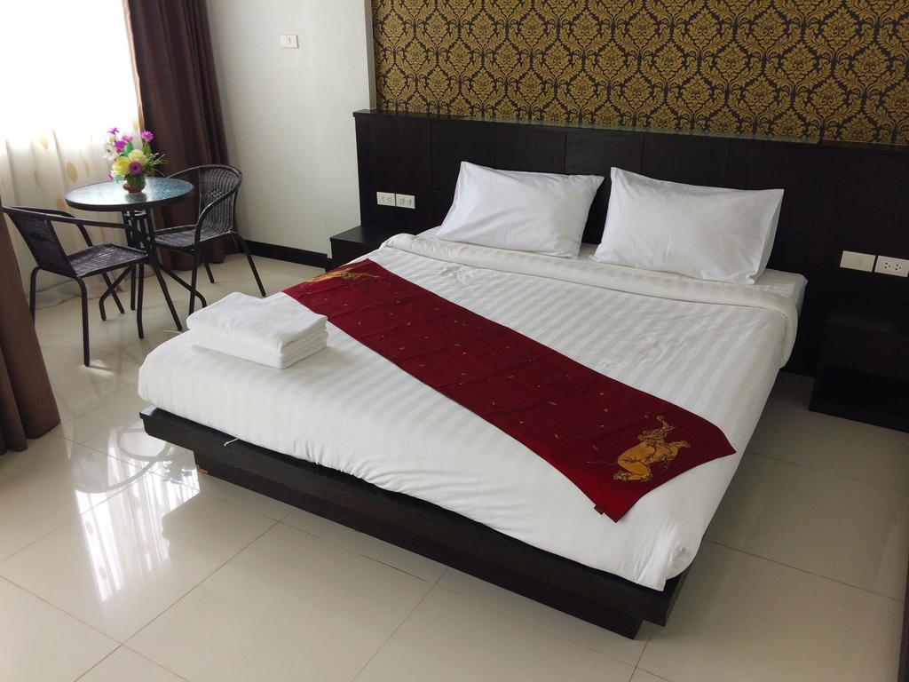 Patong guest house with central location